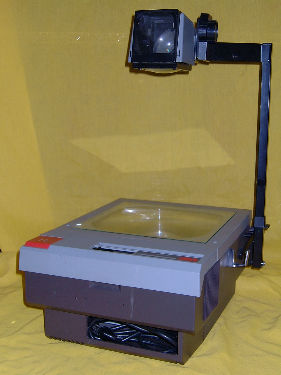 overhead projector Get the latest projectors and projector screens for larger-than-life presentations, movies & video gaming action at best buy.